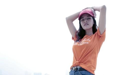 Pesona Susan Sameh Bikin Mata Segar