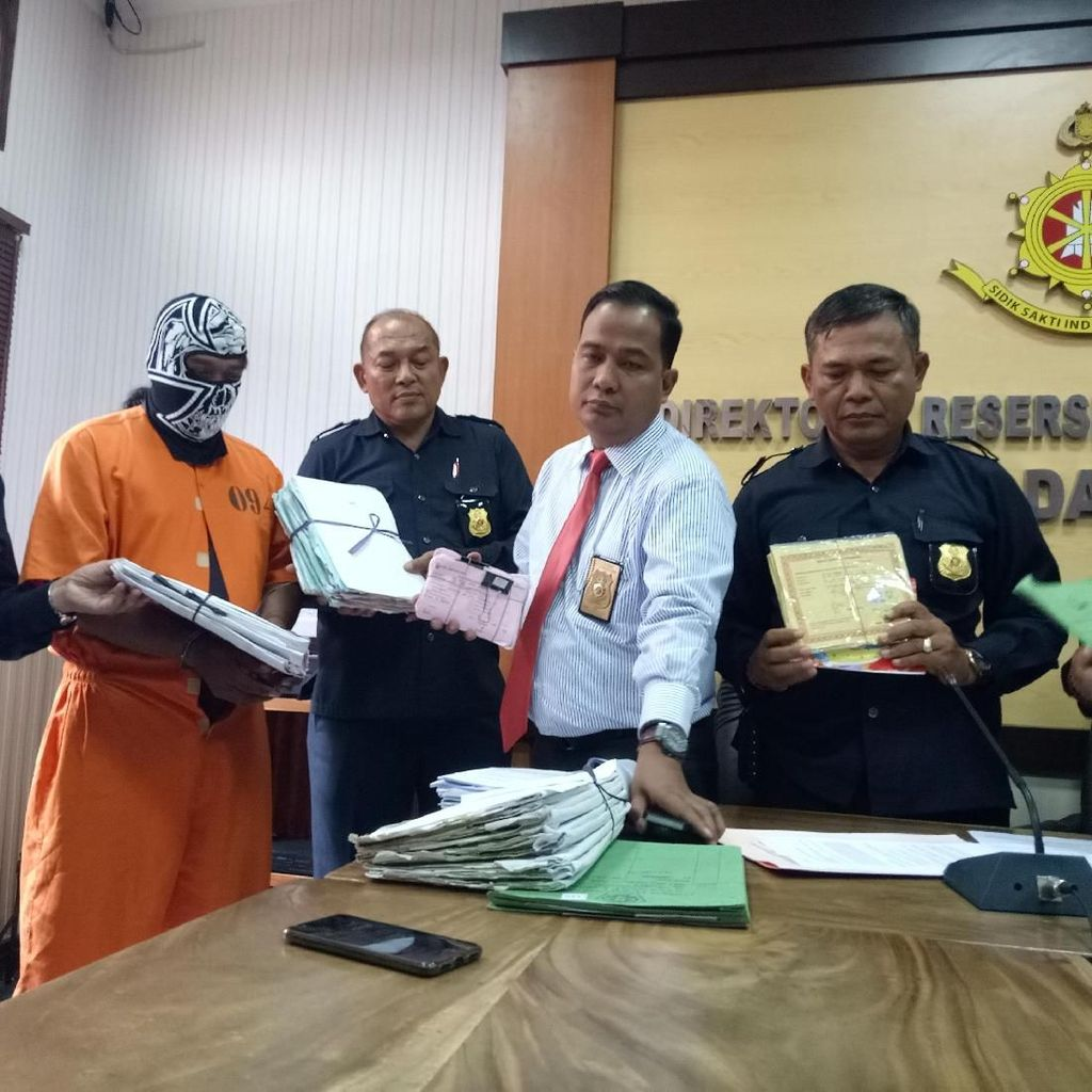 Bobol Kas Rp 15 Miliar, Ketua Lembaga Kredit Adat Bali Ditahan