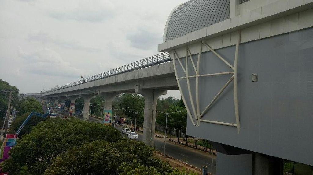 Beli Tiket LRT Palembang Pakai Uang Elektronik Mulai 1 Desember
