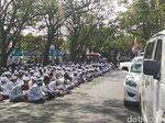 Putusan Praperadilan Kasus Habib Rizieq, FPI Penuhi PN Bandung