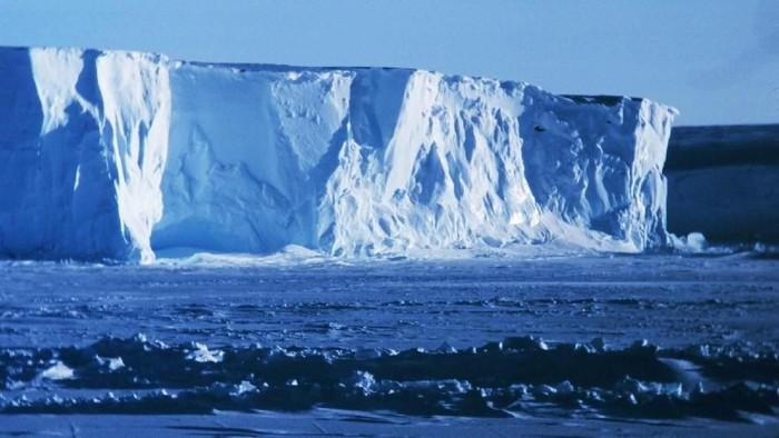 Ross Ice Shelf di Antartika ternyata memiliki kemampuan untuk menyanyikan lagu-lagu sendu. Foto: National Oceanic and Atmospheric Administration (NOAA)