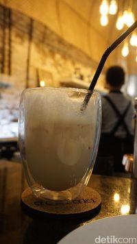 Acaraki : Sensasi Unik Minum Jamu yang Diseduh dengan Teknik Manual Brew