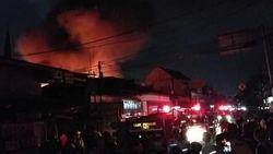Tabung Gas Bocor, 3 Rumah di Johar Baru Hangus Terbakar