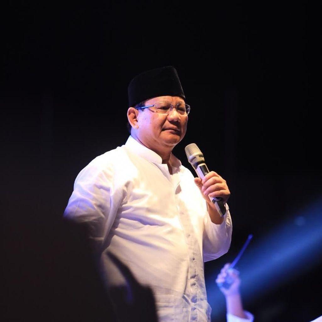 Pidato Prabowo: Puji Emak-emak, Sindir Politik Genderuwo