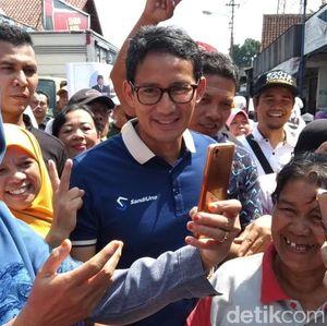 Keliling Pasar Salatiga, Sandiaga Janjikan Sembako Murah