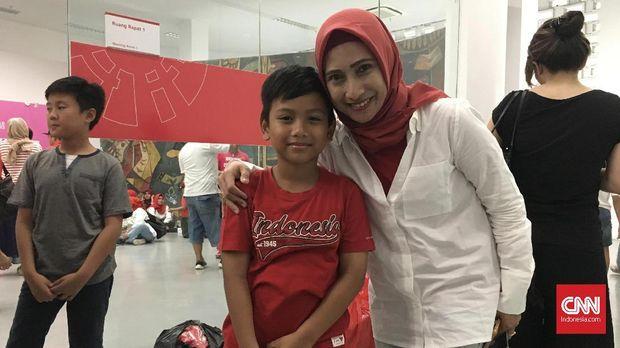 Para pengidap kanker sel darah putih mendapat undangan khusus menonton Timnas Indonesia U-19. (