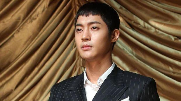 Kim Hyun Joong dituding KDRT terhadap kekasihnya.