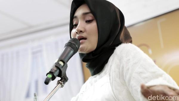 Setelah Jingga, Fatin Ketagihan Tulis Lagu Sendiri