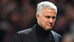 Acungan Tiga Jari Mourinho Usai Diejek Suporter Juve