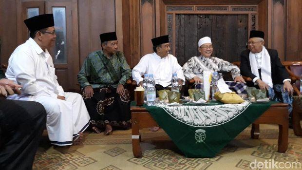 Awali Safari ke Solo, Ma'ruf Amin Ziarah ke Makam KH Ahmad Umar