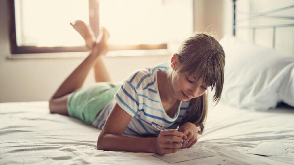 Manfaat Menulis Diary bagi Anak