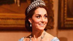 Pertamakalinya, Kate Middleton Dikritik karena Pilihan Gaun yang Buruk