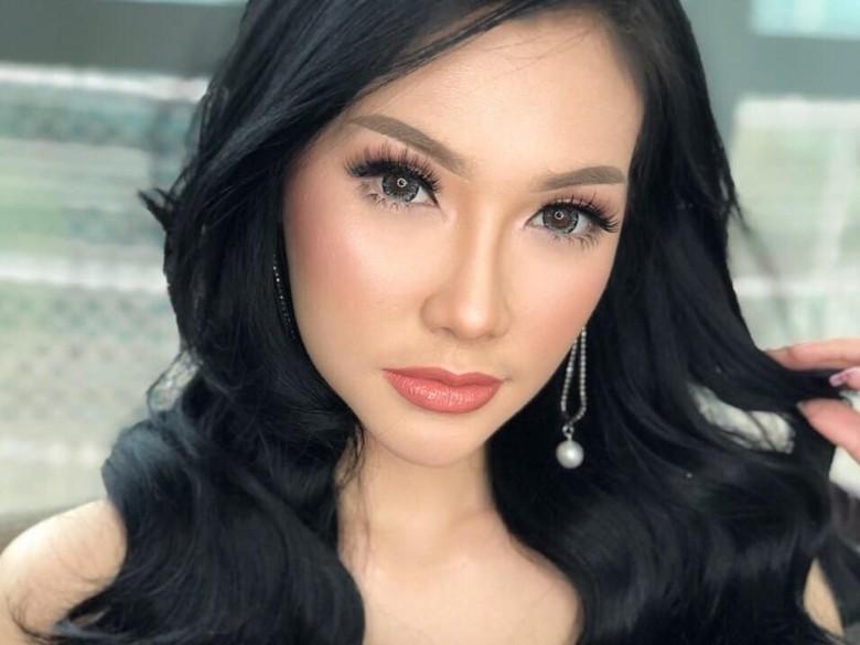 Fakta-fakta Putri Juby, Model Seksi yang Dekat dengan Delon