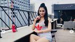 Baju Merah Jangan Sampai Lolos! Terpesona Seksinya Putri Juby