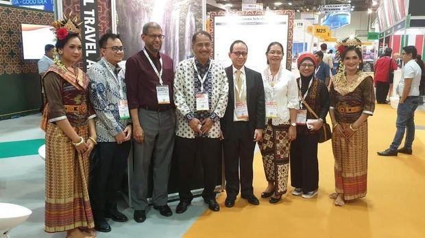 Menpar Arief Yahya dan Halal Travel Alliance di ITB Asia