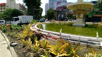 Ini Penampakan Air Mancur Jalan Pemuda yang Ditabrak Mobil