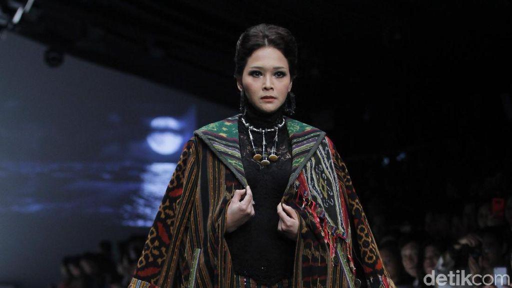Pakai Gaun Pengantin, Maia Estianty Bahagia Meski Disinggung soal Dhani