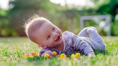 20 Nama Bayi Laki-laki Simpel nan Kekinian dari Berbagai Negara