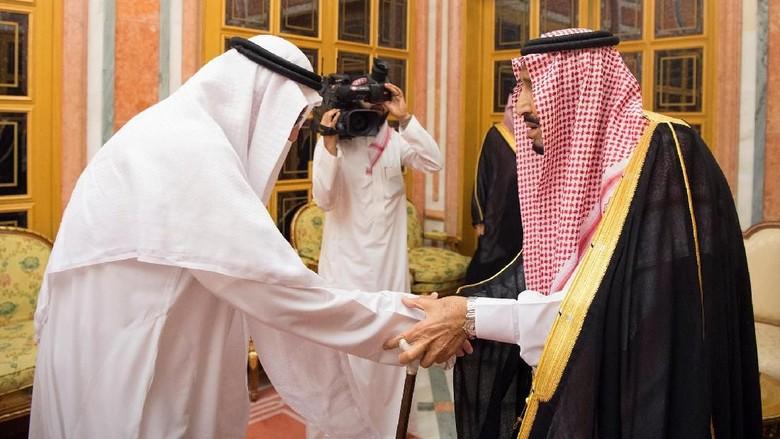 Momen Putra Khashoggi Bertatapan dengan Putra Mahkota Saudi