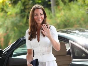 Bukan Handphone, Ini 4 Hal yang Selalu Ada di Tas Kate Middleton