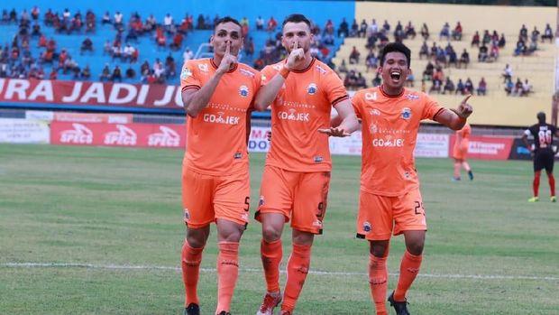 Persija Jakarta bakal mengunci titel juara Liga 1 2018 jika menang atas Mitra Kukar.