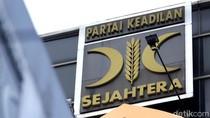 PKS Vs Fahri Hamzah soal Pajak Motor