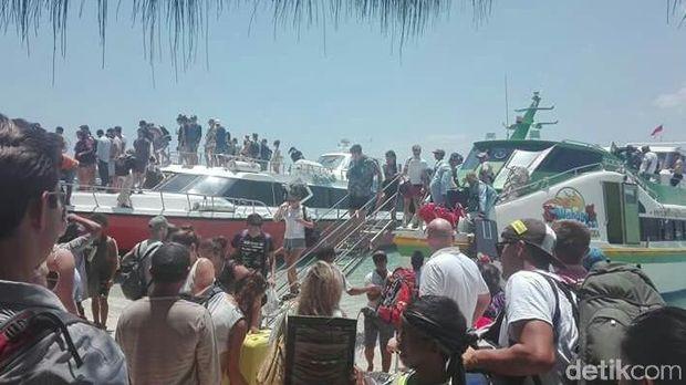Suasana evakuasi di tiga gili
