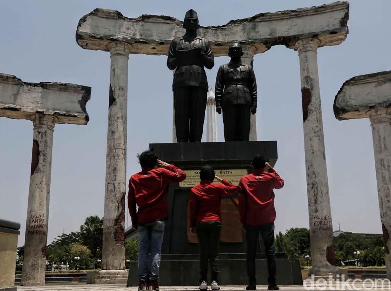Tugu dan Museum Pahlawan Surabaya Foto: Pradita Utama