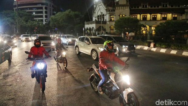 Perjalanan Touring KTM Road Warriors