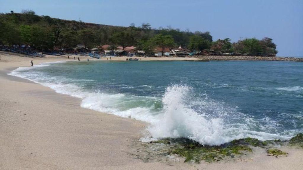 Ide Liburan Akhir Pekan: Pantai Rancabuaya Garut