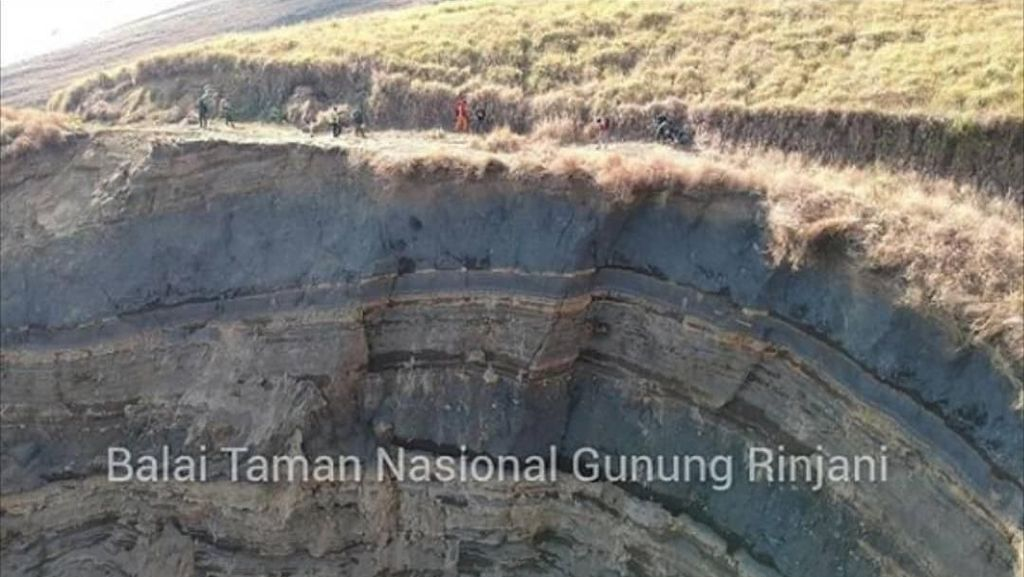 Foto Terkini Longsor di Jalur-jalur Pendakian Gunung Rinjani