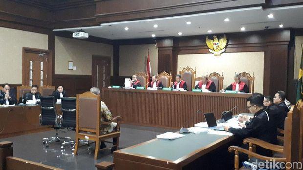 Dirut PT PLN Sofyan Basir di persidangan