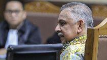 Ekspresi Dirut PLN Saat Bersaksi di Sidang Korupsi PLTU Riau-1