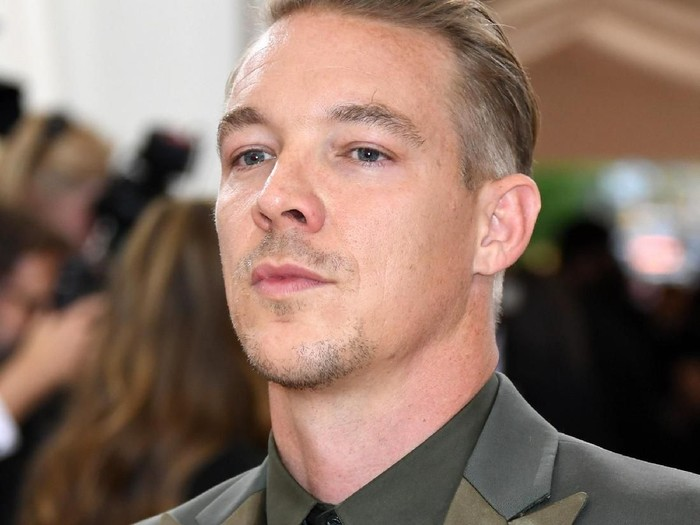 NEW YORK, NY - MAY 02:  Diplo attends the Manus x Machina: Fashion In An Age Of Technology Costume Institute Gala at Metropolitan Museum of Art on May 2, 2016 in New York City.  (Photo by Larry Busacca/Getty Images)