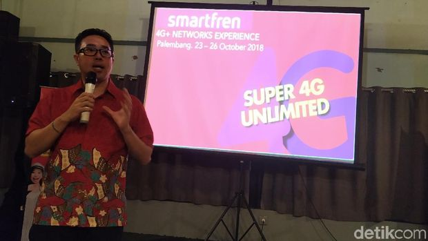 Chief of Brand Smartfren Roberto Saputra