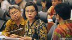 Tampil Berbatik, Sri Mulyani Turun Tangan Bahas Dana Desa di DPR