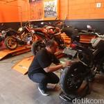 Pakai Muffler Samping, Motor KTM Jadi Lebih Modern