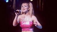 Bakatnya sebagai bintang musik pop pun mulai terlihat saat dirinya beranjak remaja.Brenda Chase/Online USA, Inc.