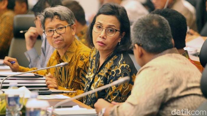 Menteri Keuangan Sri Mulyani Indrawati menjelaskan rencana pengalokasian dana kelurahan awalnya mencuat saat rapat pemerintah dengan walikota, pemerintah daerah dan DPR