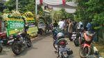 Suasana Rumah Duka Ayah Arumi Bachsin