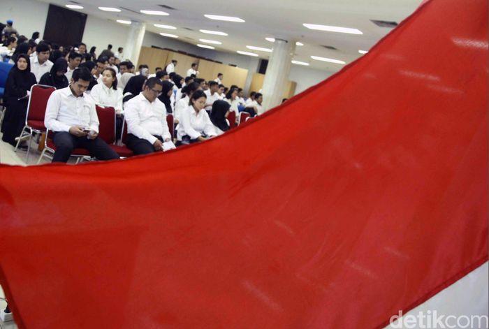 Peserta mengikuti Seleksi Kompetensi Dasar (SKD) berbasis Computer Assisted Test (CAT) untuk Calon Pegawai Negeri Sipil (CPNS) di Gedung Yos Sudarso, kantor Wali Kota Jakarta Utara , Jumat (26/10/2018).
