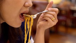 Sering Kalap Saat Makan? Hati-hati, Bisa Jadi Mengidap Eating Disorder
