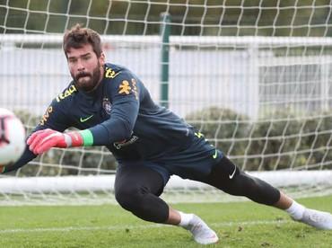 Alisson Ramses Becker alias Alisson Becker merupakan penjaga gawang asal Brazil yang kini menjaga gawang dari salah satu klub besar Inggris,Liverpool fc. (Foto: Instagram/allisonbecker)