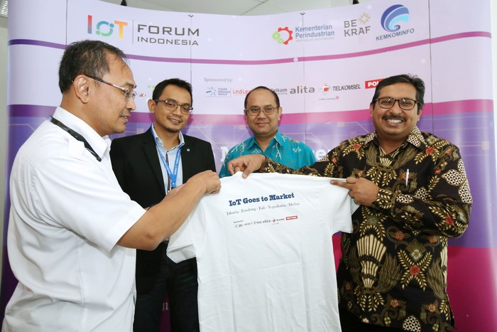 Para pembicara IoT Forum. Foto: Indonesia IoT Forum