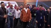 Cerita Bimo, Pemilik Ame Raincoat yang Jas Hujannya Dibeli Jokowi