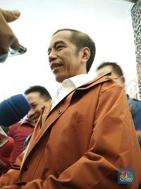 Ame Rain Coat, Designer di Balik Jas Hujan Gaul Jokowi