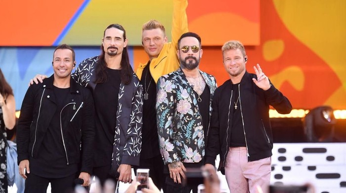NEW YORK, NY - JULY 13:  (L-R) Howie D., Kevin Richardson, Nick Carter, AJ McLean and Brian Littrell of the Backstreet Boys perform on ABCs