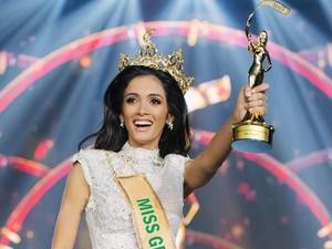 Kaget Jadi Juara, Pemenang Miss Grand International 2018 Pingsan di Panggung