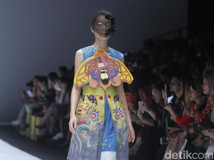 Koleksi terbaru Lenny Agustin di Jakarta Fashion Week 2019. Foto: Muhammad Abduh/Wolipop
