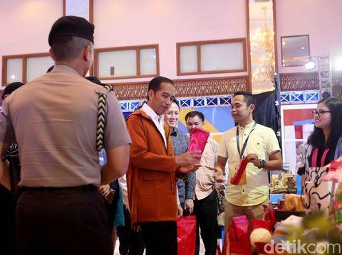 Presiden RI Joko Widodo (Jokowi) hadir dalam Pameran IdeaFest 2018. Kehadiran Jokowi untuk membuka festival kreatif tahunan itu.